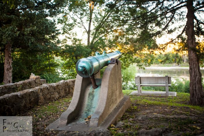 Historic twelve-pounders look over the Missouri River.